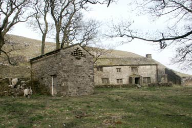 Middle House is a remote uninhabited former farm north of Malham Tarn