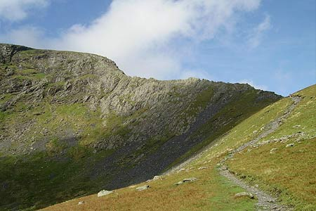 The approach to Sharp Edge from Scales Tarn