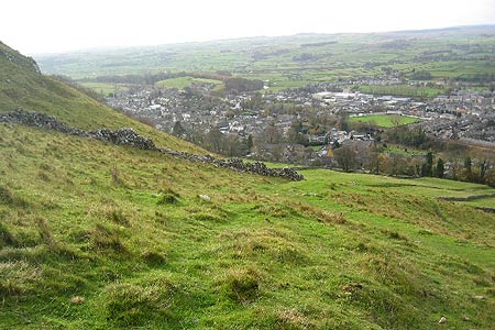 The descent into Settle from Attermire