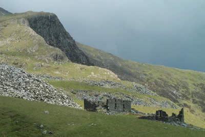 The slopes of Y Lliwedd with mine ruins