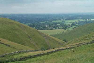 Looking south from the slopes of Thorpe Cloud