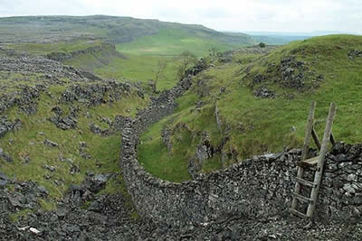 Moughton Scar can be a confusing area in which to walk