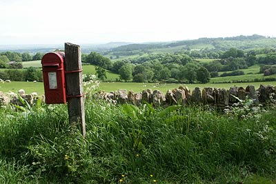 Rural post box on Buckle Lane & Dover's Hill
