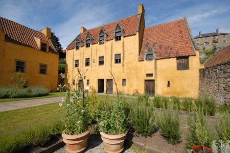 Culross - Culross Palace and its garden