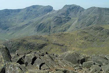 Views from Bowfell are good & Scafells look magnificent