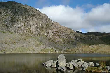 Pavey Ark seen from Stickle Tarn