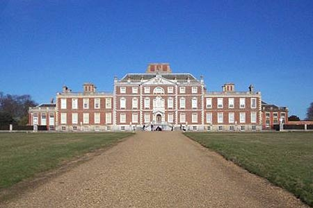Magnificent Wimpole Hall from Harcamlow Way